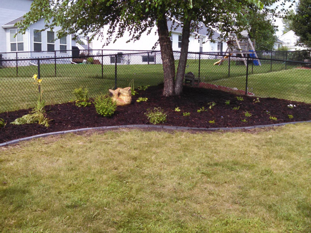 Leave the Yard Work to a Professional - Landscaping: Palo, Vinton & Cedar Rapids, IA: KJ's Green Thumb